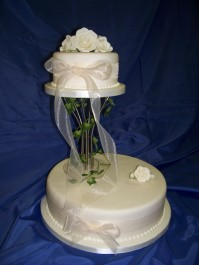 2-Tier Trailing Ivy and Organza Ribbon