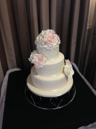 Pink and Ivory Roses wedding cake